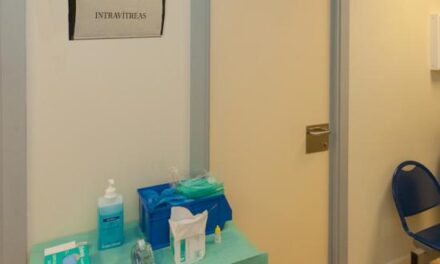Oftalmología del HUVR estrena una sala limpia para inyecciones intravítreas