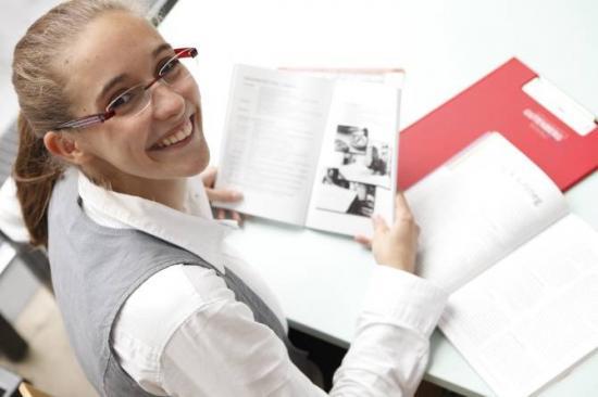 ¿A mayor nivel de educación académica y más años como estudiante, mayor miopía?