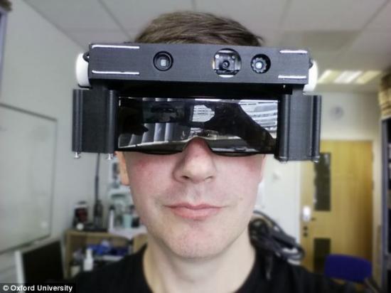La Universidad de Oxford crea unas gafas para las personas con visión reducida