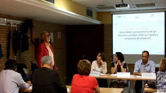 Los pacientes andaluces con baja visión reclaman acceso a los servicios públicos