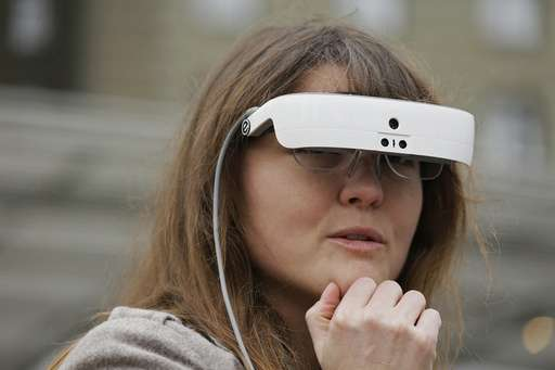 eSight: unas gafas electrónicas para la discapacidad visual