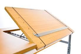Mesa con atril incorporado