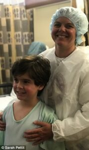 Creed con su madre, Sarah Pettit