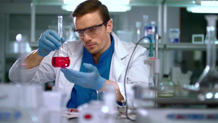 Resultados positivos con carotuximab para DMAE húmeda refractaria