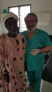El doctor Eduardo Esteban en Benín