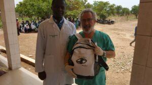 El doctor Esteban de voluntario en Benín