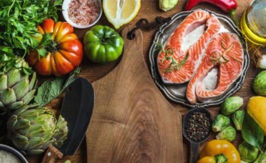 Ácidos grasos omega-3 Stargardt y DMAE
