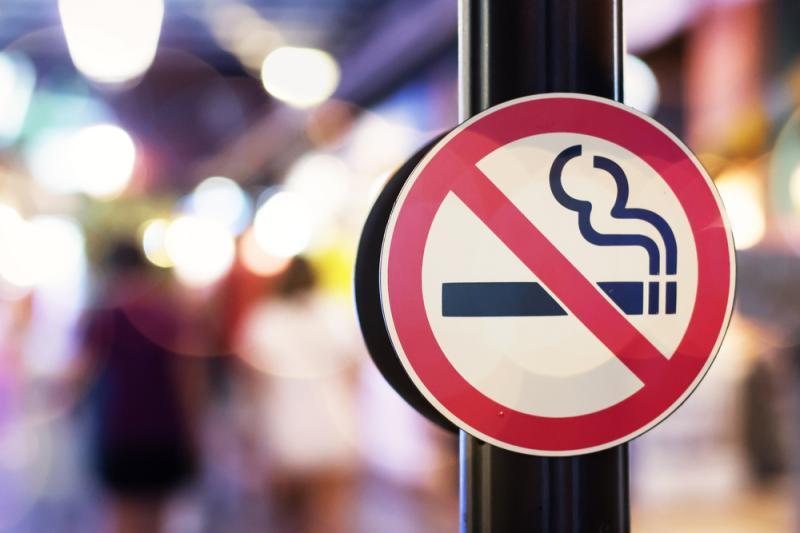 El tabaquismo, asociado con una aparición más temprana de la DMAE húmeda