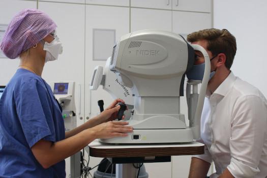 Minimizar los riesgos durante los exámenes oftalmológicos de rutina en la era COVID-19